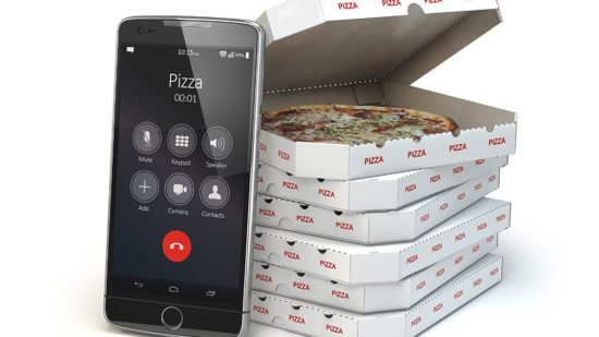 mobile-pizza-ordering-and-delivery-concept-550x309